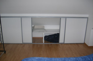 rangement sous les combles. Black Bedroom Furniture Sets. Home Design Ideas